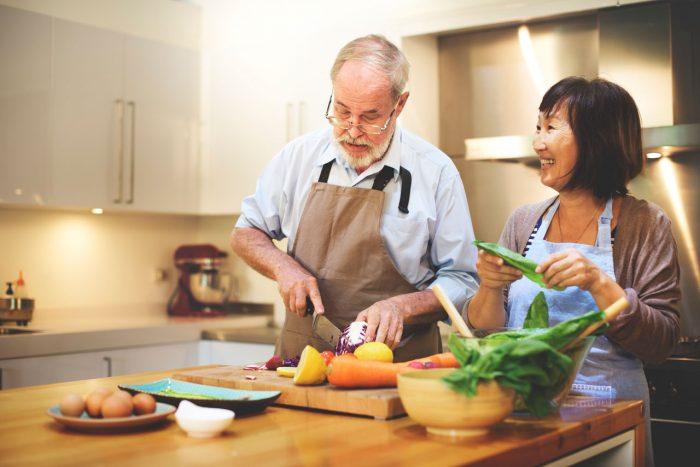 tercera-edad-ancianos-verduras-alzheimer-700x467