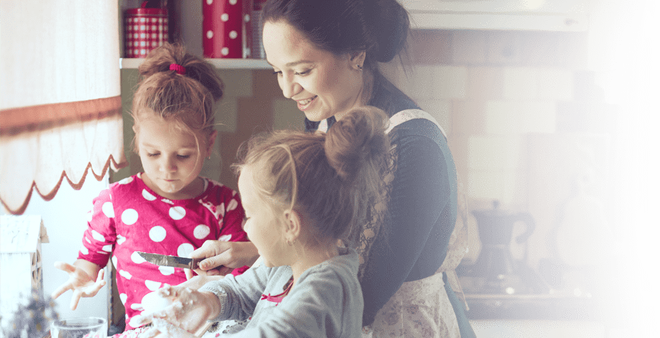 mom-cooking-with-kids